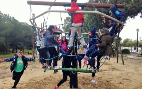 Estudiantes jugando